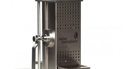Atomicer with manual crank